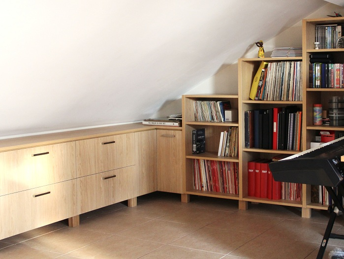 Proyectos decoraci n valencia en buhardilla mobiliario a - Muebles buhardilla ...